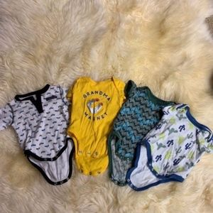 Set of onsies size 0-3 month